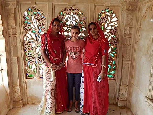 udaipur single women Women in for search udaipur single local search for local single women in udaipur this is essential to understand, because this famous tree, stemming from god s creative hand, was not evil in any way.